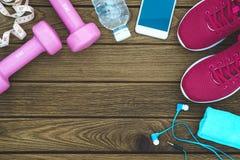 Modes de vie de forme physique, sains et actifs concept, haltères, sport Photos stock