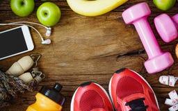 Modes de vie de forme physique, sains et actifs concept, haltères, sport Photos libres de droits