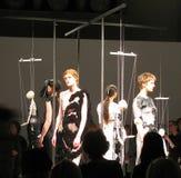 Modeshow av formgivaren Phoebe English Royaltyfria Bilder