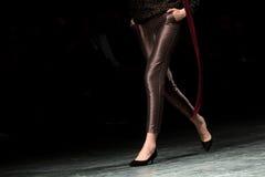 Modeshow en Catwalkhändelse Royaltyfri Foto