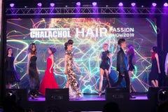 Modeshow 2019 för passion för Chalachol akademihår royaltyfria bilder