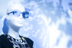 Modespeicher-Sonnenbrillemannequin des Shops blindes Stockbild