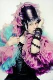 Modestående av den unga härliga kvinnlign. Royaltyfri Fotografi