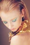 Modestående av glamourmodellen royaltyfri fotografi
