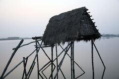 Modest straw hut of Indian fishermen royalty free stock images