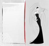 Modetappningflickan i svart klänning skissar kortet Royaltyfri Bild