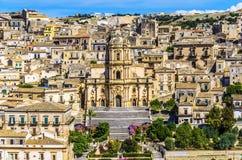 modica城市的大教堂在西西里岛 免版税库存照片