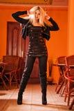 Modieus elegant blond portret Stock Foto's