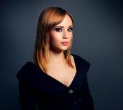 Modieus meisje met mooie make-up Stock Foto