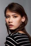 Modieus Nice Jong Volwassen Europees ModelWoman - Voorraadbeeld stock afbeelding