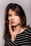 Modieus Nice Jong Volwassen Europees ModelWoman - Voorraadbeeld royalty-vrije stock foto's