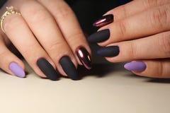 Modieus ontwerp van manicure Stock Foto's