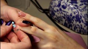 Modieus ontwerp van manicure stock footage