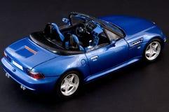 Modieuze blauwe covertible open tweepersoonsauto Stock Foto