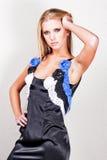 Modieuze blonde tiener Royalty-vrije Stock Foto's