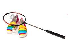 Modieuze, heldere, gemakkelijke sportenschoenen (gymschoenen) met een racket Royalty-vrije Stock Foto