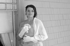 Modieuze jonge vrouw Royalty-vrije Stock Foto's