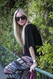 Modieuze jonge vrouw Stock Fotografie