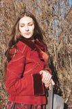 Modieuze jonge vrouw, modieuze uitrusting Royalty-vrije Stock Foto