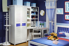 Modieuze kinderenruimte met bed Royalty-vrije Stock Foto's