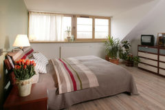 Modieuze Slaapkamer Royalty-vrije Stock Afbeelding