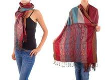 Modieuze Vrouwelijke Sjaal met Oosters Patroon stock afbeelding