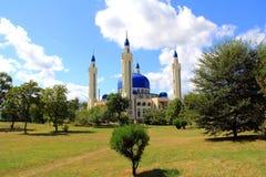 Modific il terrenoare con il tempiale di islam della Russia del sud Fotografia Stock