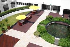 Modific il terrenoare, giardino del cortile dell'ufficio Fotografia Stock