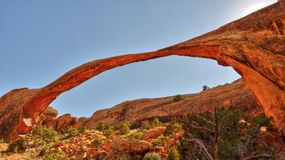 Modific il terrenoare l'arco nella sosta nazionale degli archi vicino a Moab, Immagini Stock
