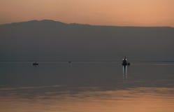 Modific il terrenoare in sera al mare di morte Fotografia Stock
