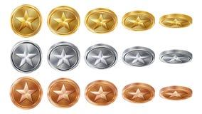 Modig 3D guld, silver, bronsmynt ställde in vektorn med stjärnan Flip Different Angles Prestationmyntsymboler, tecken, framgång Fotografering för Bildbyråer