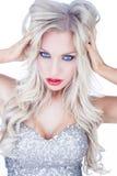 Modische blauäugige blonde Frau Lizenzfreie Stockbilder