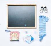Modischer Blick der Draufsichtmode der Tafel und des Babymaterials Stockbilder