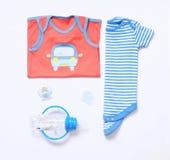 Modischer Blick der Draufsichtmode von Babykleidung und -material Stockbild