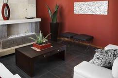 Modisches Wohnzimmer stockfotos