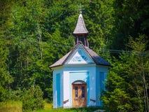 Modlenie austeria kaplica dla bezpiecznej podwyżki muntain wierzchołka inSlovenia obrazy royalty free