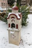 Modlitewna kaplica blisko połowu mola w zimie Bułgarski Pomorie Obraz Stock