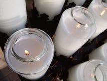 Modlitewne świeczki zbliżenie Fotografia Stock