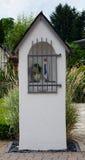 Modlitewny dom z świętym Mary obraz stock