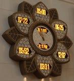 Modlitewny zegarek w Sheikh Zayed Uroczystym meczecie Obraz Stock