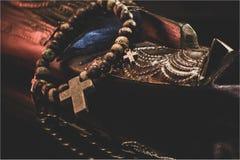 Modlitewny zespół kłama na handmade Ghana masce obraz royalty free
