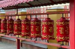 Modlitwa bębni w St Petersburg Buddyjskiej świątyni Datsan Gunzehoyney, Rosja Obrazy Royalty Free