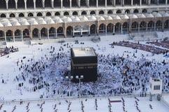 Modlitwa i Tawaf muzułmanie Wokoło AlKaaba w mekce, saudyjczyk Arabi zdjęcie royalty free