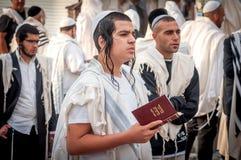 modlitwa Rosh Hashanah, Żydowski nowy rok Ja świętuje blisko grób rabin Nachman Pielgrzymi Hasidim zdjęcie royalty free