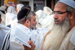 modlitwa Rosh Hashanah, Żydowski nowy rok Ja świętuje blisko grób rabin Nachman Pielgrzymi Hasidim fotografia stock