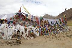 Modlitwa zaznacza przy przełęczem w Ladakh, India Zdjęcia Royalty Free