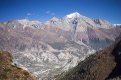 Modlitwa zaznacza w himalaje górach, Annapurna region, Nepal obrazy royalty free