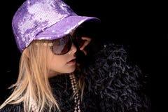 Modna śliczna mała modnisiów blondynów dziewczyna Zdjęcie Stock