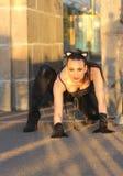 Modna dziewczyna w kot sukni Fotografia Royalty Free