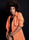 Modna kobieta w pomarańczowym żakiecie Obraz Stock